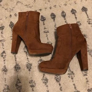 Mossimo supply co brown suede heeled booties